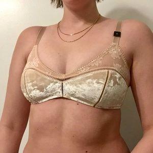 NWT Victoria's Secret crushed velvet bralette sz S